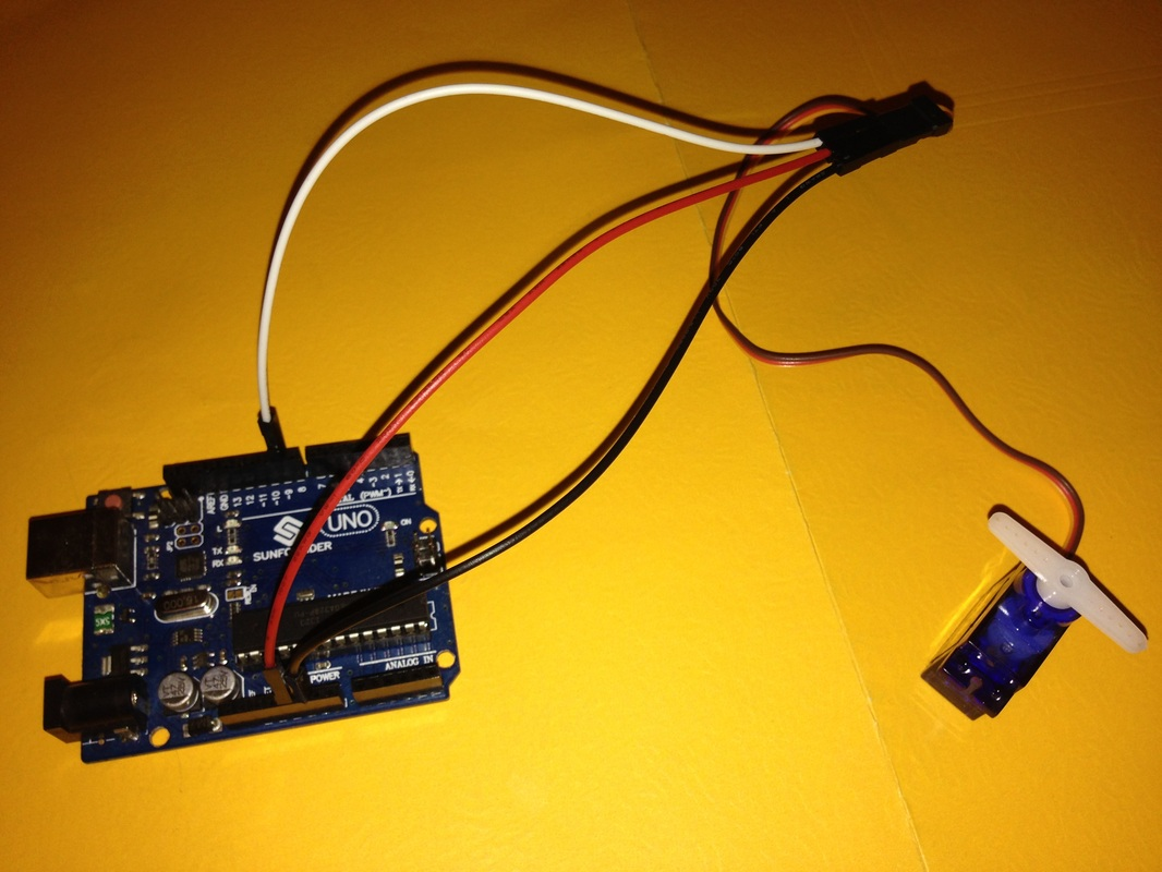 Servos De Anza Tech Servo Wiring Red Black White 2 Here Is A Close Up The Wire In This Example Attached To Yellow Orange From